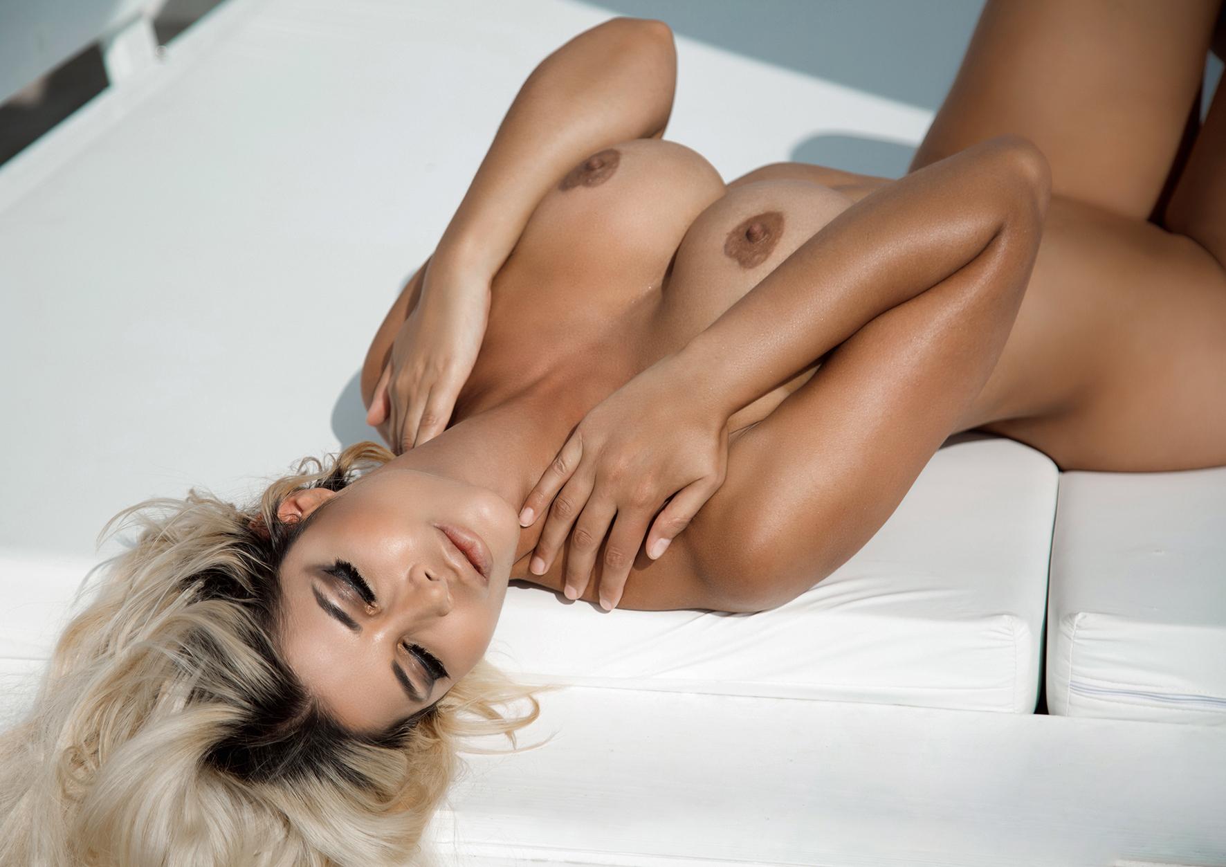 Bilder von michaela schäfer nackt Micaela Schaefer
